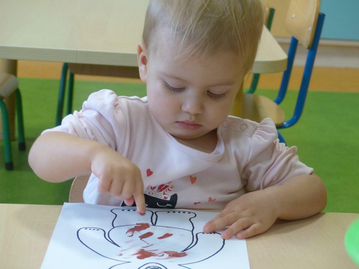Przeglądasz zdjęcia z artykułu: Miś malowany paluszkami