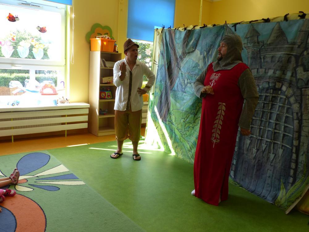 Przeglądasz zdjęcia z artykułu: Teatryk w żłobku o Kocie w Butach