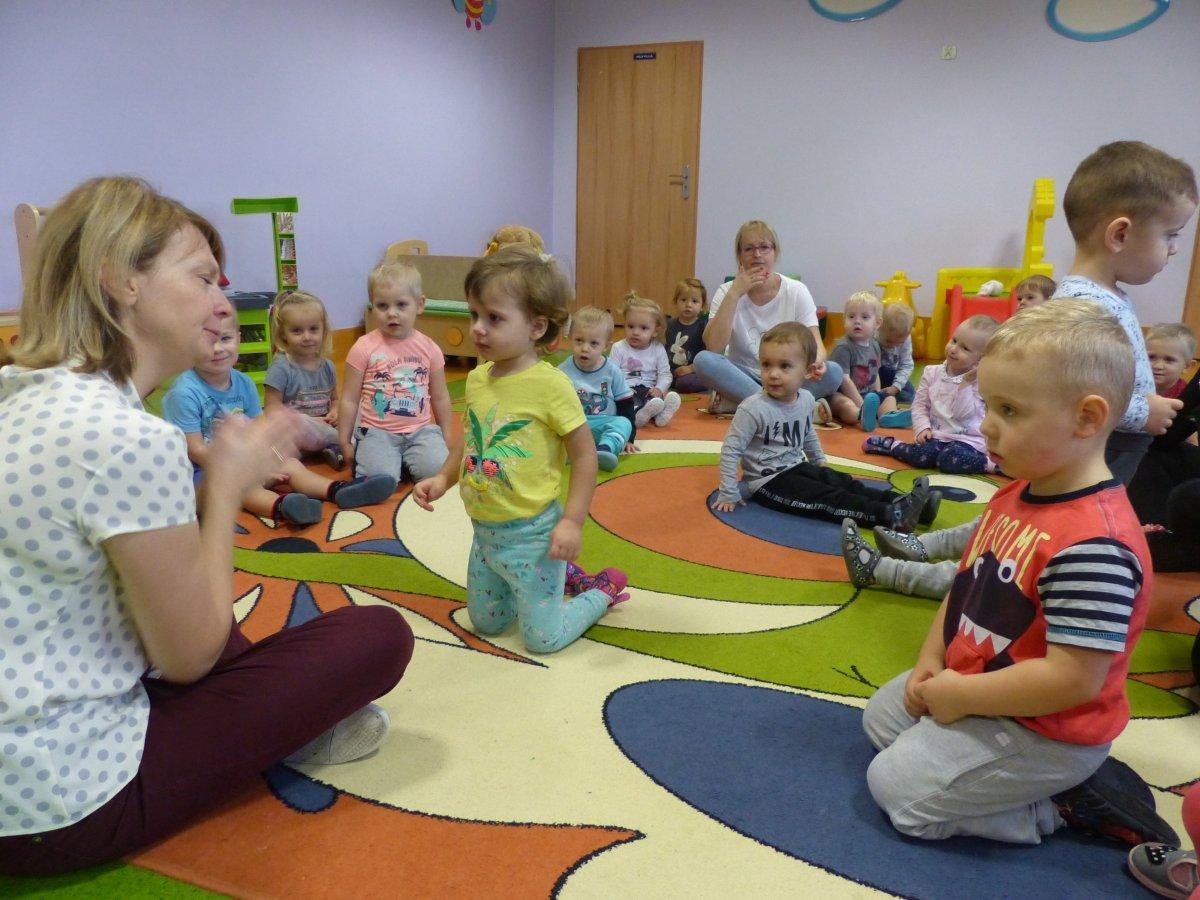 Przeglądasz zdjęcia z artykułu: Dzień Pluszowego Misia z Panią Lilą, Tygryskami i Misiami