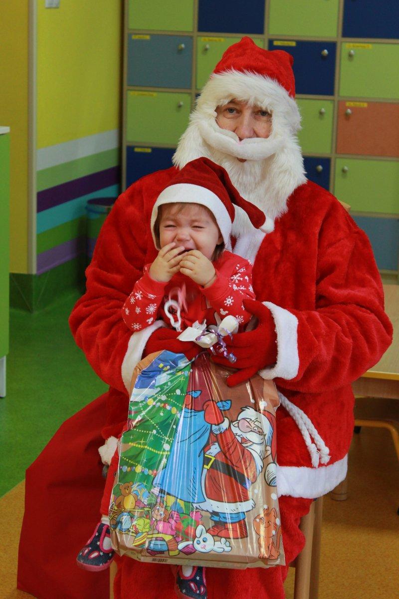 Przeglądasz zdjęcia z artykułu: Św. Mikołaj z wizytą w naszym żłobku